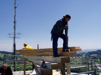 Versetzung der obersten Stufe des Wiler Turms