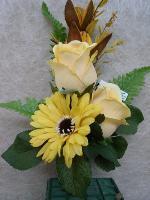 Mazzo di fiori finti per loculo